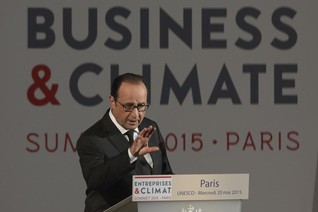 France's Hollande concerned about slow progress in climate talks
