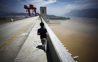 China says climate change threatens major projects
