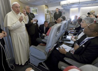 """World headed toward """"suicide"""" if no climate agreement - pope"""