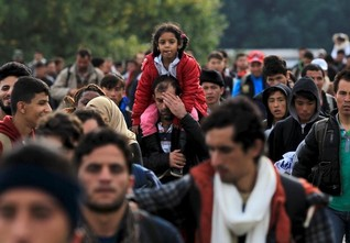 Turkey concerned about new Syrian migrant wave as Russia strikes