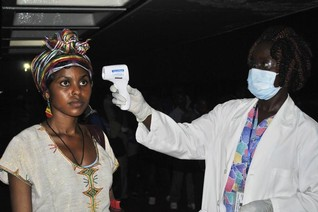 Ethiopian health workers arrive in Liberia to help fight Ebola