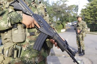 Colombia rebels to free general, opening door to resume peace talks