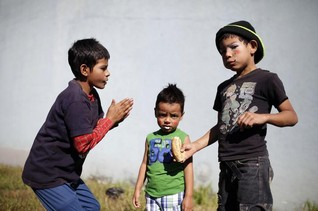 El Salvador fails to protect children from gang violence-rights group