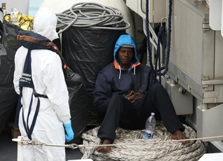 EU rescue ships head for Libya, as migrants die also in Balkans