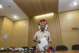 Indonesian anti-graft deputy offers to resign, investors fret
