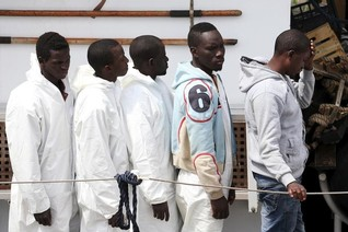 No military solution to boat migrant crisis - UN chief to paper