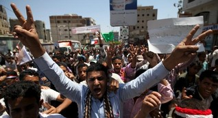 Saudi-led campaign strikes Yemen's Sanaa, Morocco joins alliance