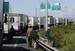 Man dies in Channel Tunnel as migrant crisis deepens