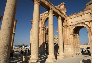 Islamic State says it has full control of Syria's Palmyra