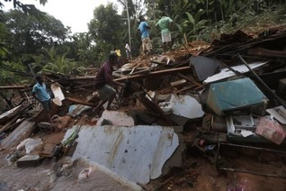 More than 100 believed killed in Sri Lanka landslide-minister