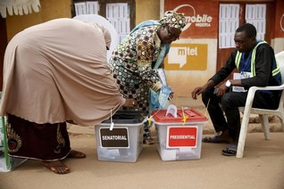 Nigeria vote runs into second day after glitches, killings