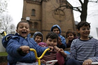 Germany plans tax incentives to build new homes for refugees