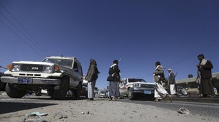 Two car bombs explode in central Yemen killing 25