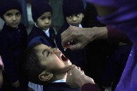 Pakistani teachers kidnapped during polio campaign released