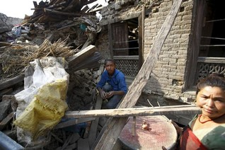 Donor fatigue hits Nepal one month after mega earthquake - U.N.