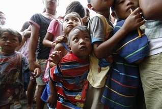 U.N. raps Philippines for failing to rehouse typhoon homeless