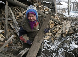 After battle, frostbite in the ruins of Ukraine's Donetsk