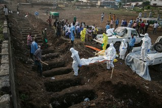 Donors and WHO responded too slowly to West Africa Ebola outbreak - report