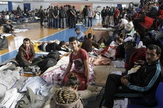 Greece appeals to EU for help in handling migrant influx