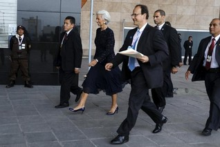 New climate-financing pledges at IMF talks closer to $100 bln/yr