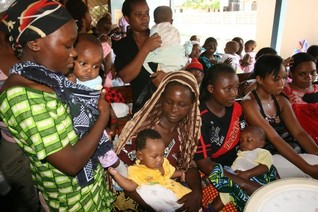 Tanzania's free SMS health campaign helps pregnant women, new mothers