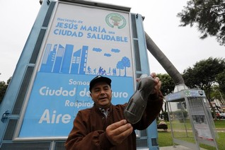 Peruvian inventor hopes to clean Lima's air with giant purifiers