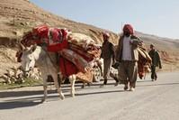 Iraqi Kurds, Yazidis fight Islamic State for strategic town