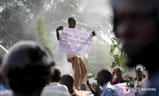Rwanda says alarmed by Burundi unrest as refugees stream across border