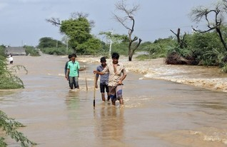 Floods, landslides kill 75, displace thousands in eastern India