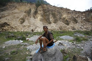 Nepal landslide blocks river, raises fears of flood reaching India