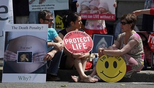 Ireland rules life support can end for brain-dead pregnant woman