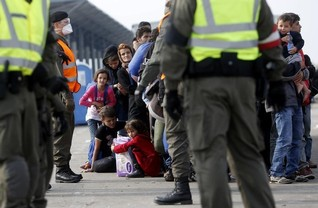 EU gets tough on expelling migrants, talks to neighbours