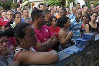 Thousands of Cubans stuck after Nicaragua declines to open border