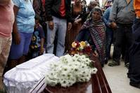 Hundreds feared dead in Guatemala landslide, hopeful keep digging