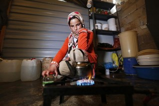 WFP forced to cut food aid for Syrian refugees by half