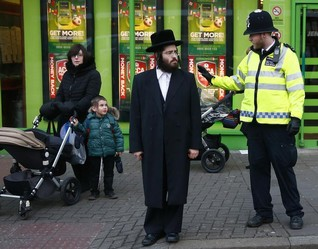 London Orthodox Jewish leaders say women shouldn't drive - paper