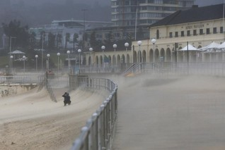 Australia's east coast battered by cyclone-like storm