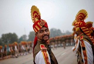 Indian soldiers take part in the rehearsal for the Republic Day parade on a winter morning in New Delhi January 21, 2015