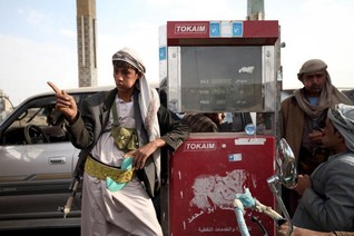 Houthis, foes fight on as Yemen ceasefire quickly unravels