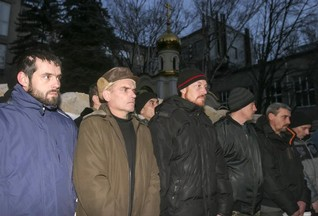 Kiev, rebels exchange POWs; trains, buses to Crimea suspended