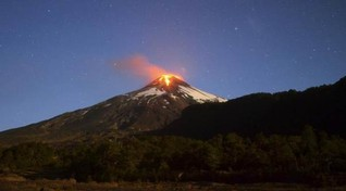 Chilean volcano goes quiet after overnight eruption