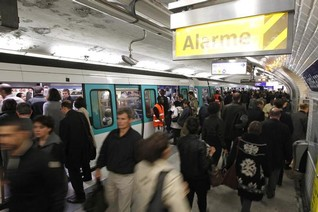 EXCLUSIVE-POLL: Abused on Paris Metro? Don't expect help from others, say women