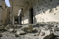 Iraqi planes, artillery strike rebel-held Falluja