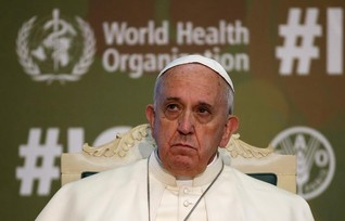 Pope says food commodity speculation hurts fight against hunger