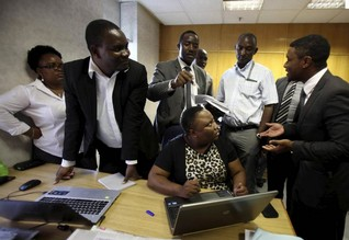 Zimbabwe police, Econet lawyers raid The Source news agency