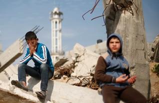Palestinian political stalemate is stalling Gaza rebuilding -U.N. envoy