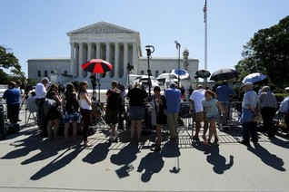 U.S. Supreme Court temporarily blocks Texas abortion restrictions