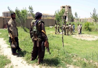 INSIGHT-Stretched Afghan army falls back on militias to help defend Kunduz