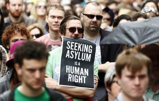 Australian court rules detention of Sri Lanka asylum seekers at sea lawful